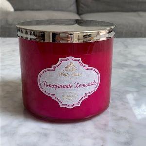 White Barn Pomegranate Lemonade candle 14.5 oz
